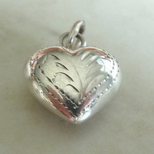 CHARM ENGRAVED PUFFY HEART WITH JUMP RING 13X10 ST.SLV