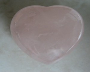 rosequartzgemstoneheart25mmnohole