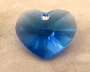 swarovskiheartsapphire10mm6202