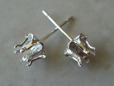 BUTTERCUP SNAPSET STUD STERLING SILVER PER PAIR (1)