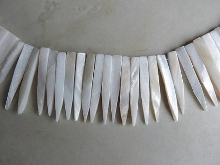WHITE SHELL SPIKE BEADS PER STRAND APPROX 40MM 2